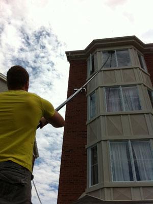 Service de nettoyage de vitres montr al brossard laval for Lavage de fenetre